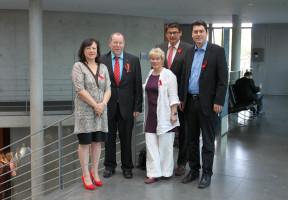 Bärbel Kofler mit Mitgliedern der Arbeitsgruppe wirtschaftliche Zusammenarbeit und Entwicklung der SPD-Bundestagsfraktion