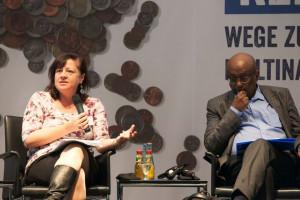 Bärbel Kofler bei einer Konferenz der Friedrich-Ebert-Stiftung zum Thema Steuergerechtigkeit und Entwicklungsländer