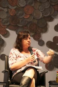 """Bärbel Kofler spricht auf der Konferenz """"Keine Steuern, keine Entwicklung – Weg zur gerechten Besteuerung multinationaler Unternehmen"""""""