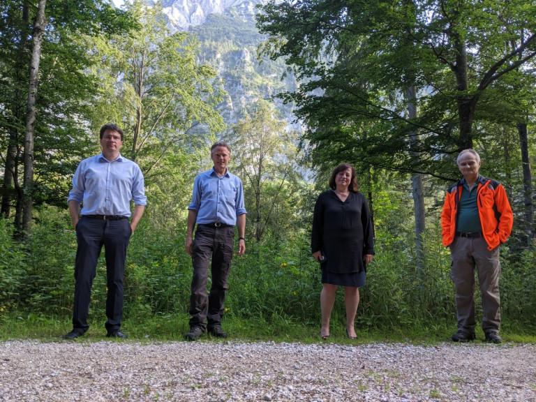 Zukunft unserer Wälder – Bärbel Kofler und Florian von Brunn bei den Bayerischen Staatsforsten in Inzell